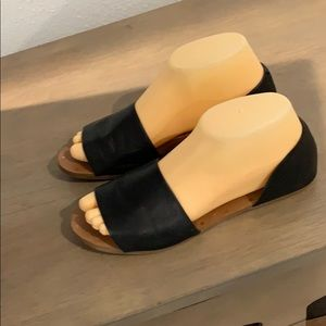 Authentic Madewell black leather sandals Sz 7